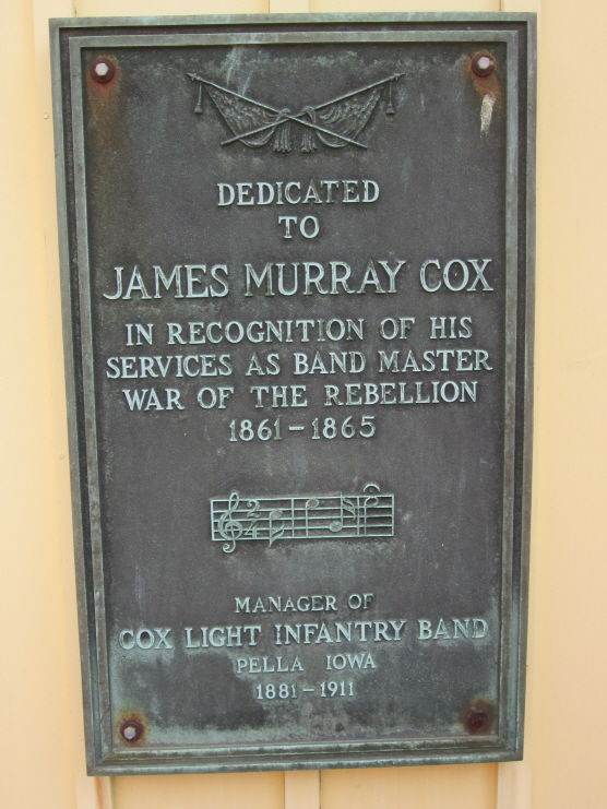 Plaque dedicated to James Murray Cox